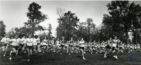 Image: di76220 - Unidentified female high school cross country runners