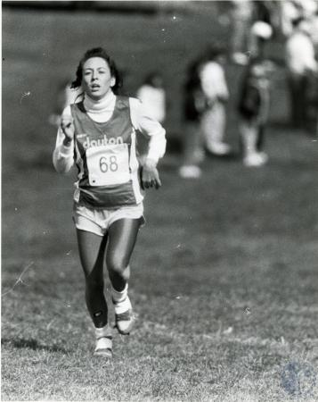 Image: di76227 - Unidentified female Dayton High School cross country runner
