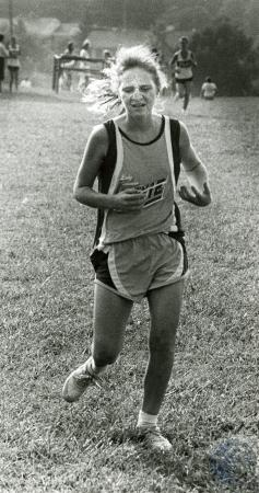 Image: di76234 - Unidentified female Dixie Heights High School cross country runner