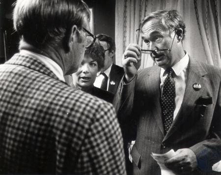 Image: di79450 - Rep. Gene Snyder (right) talking over figures with Jim Caldwell, Jefferson County Republican party chairman.....