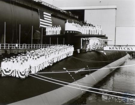 Image: di80156 - Nuclear Submarine, USS Kentucky and it's crew