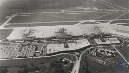 Image: di80442 - Aerial shot of Greater Cincinnati NKY Airport