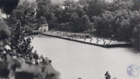 Image: di82445 - Barge on Licking River - photo taken from 4th Street Bridge.