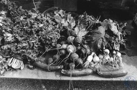 Image: di84480 - Assortment of produce at  tailgate market.