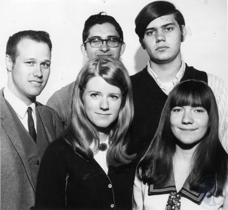 Image: di85360 - From left frnot: Nancy Meyer, Sandy Thompson. Rear left: Bob Jones, Jim Ziegler, and Larry Franklin.....