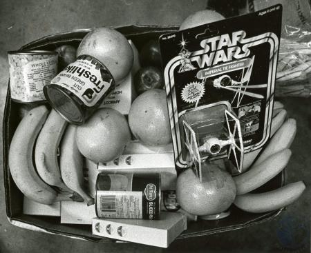 Image: di85885 - Typical basket given by KY State Police Proffesional Association.