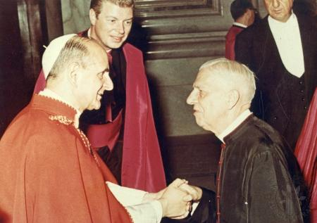 Image: di88139 - Father John Bankemper with Pope Paul.