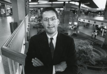 Image: di88995 - Steve Yenser, manager of the Florence Mall.