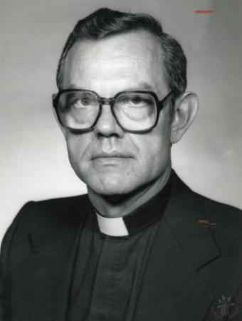 Image: di89199 - Rev. Paul Wolfzorn