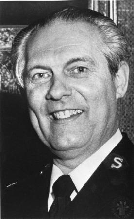 Image: di91396 - Major Ronald Lyons, Administration Booth Hospital.
