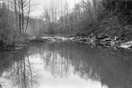 Image: di91633 - This shows a place where Lake Cumberland meets Lily Creek. This is as far as a motorboat can go up Lilly....