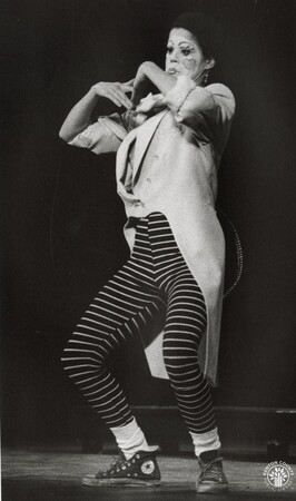 Image: di95629 - Mime, Shannon Rae Lutz performing in the play