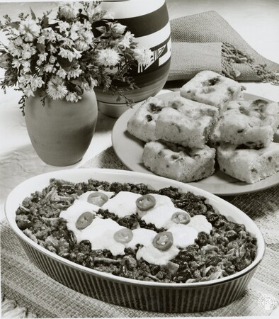 Image: di95681 - Chili beef and cheese bake and Mexican corn bread