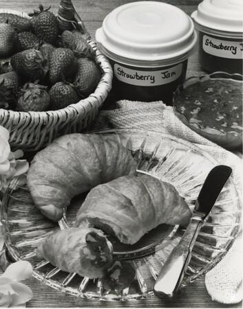 Image: di95685 - Jam and croissant