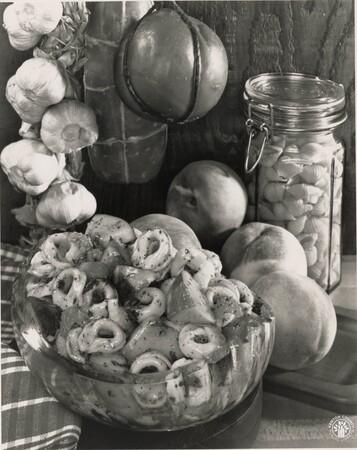 Image: di95690 - This is Peach Tortellini salad