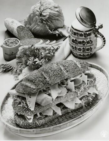 Image: di95695 - Iceberg lettuce adds refreshing texture to German Beer Garden rye loaf