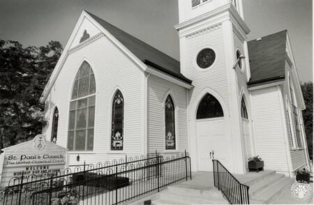 Image: di96103 - St. Paul's United Church of Christ on Main Street in Alexandria.