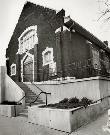 Image: di96164 - 120 E. 9th St. in Covington - First Baptist Church