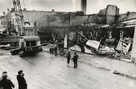 Image: di96273 - Aftermath of a fire on Pike Street