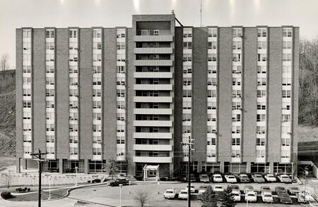 Image: di96745 - Grand Towers Apartments