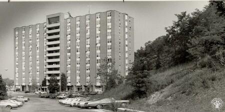 Image: di96746 - Grand Towers Apartments
