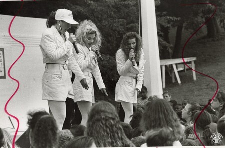 Image: di97304 - Ivory Soul, a music group from Boston, performs a number at the DARE Concert in Devou Park.