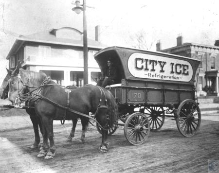 Image: kce000927photo - city ice wagon driven by Jess Sanders Sr., in front of 314 Garrard Street