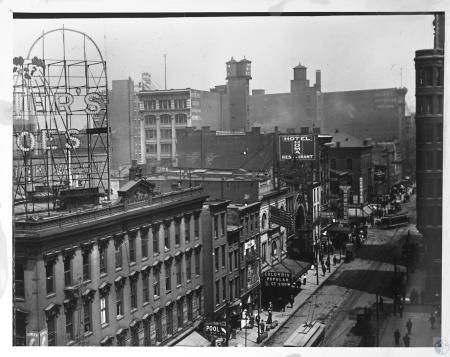 Image: kcen00003photo - View of Walnut Street.