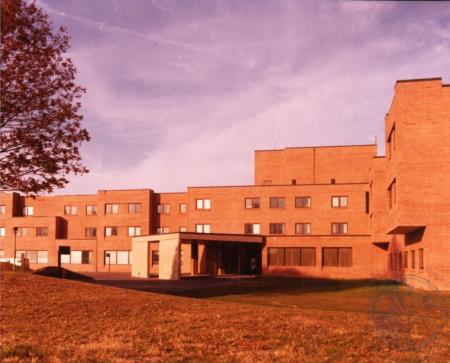 Image: ste001019007 - View of St. Luke Hospital East.
