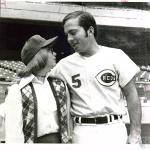 di04067 - Barb Smith meeting Johnny Bench