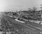 di128567 - Riverside Drive, looking East, I-471 bridge ...