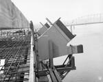 di128714 - Northbound arch at pier 8, I-471 bridge project
