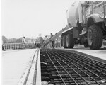 di128715 - Construction workers pouring cement, I-471 ...