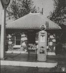 di141007 - This Texaco gas station was owned by the ...