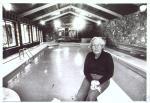 di29363 - Mrs. Claude Canada at poolside