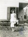 di49630 - Martha Schroder in easter attire