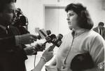 di94799 - Press interviews Mrs. Funk