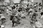 di97038 - 8th Annual Easter Egg Hunt in Newport. Some ...