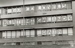 di97183 - Message to the football team on the windows ...
