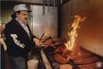 di98713 - Mark Lykins cooking ribs at Burbank's in ...