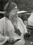 di98771 - Bob Vie Brooks, Cincinnati, eats a sausage ...