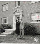 di99058 - Earl and Beulah Hinte
