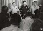 di99067 - William Hiler at a press conference.